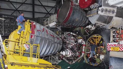 Launchpad: Firing the Space Shuttle Main Engines - YouTube