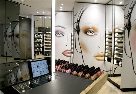 MAC Cosmetics to Open Its First Makeup Studio - The New