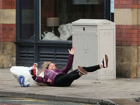 20 Hilarious Photos Of People Falling Down
